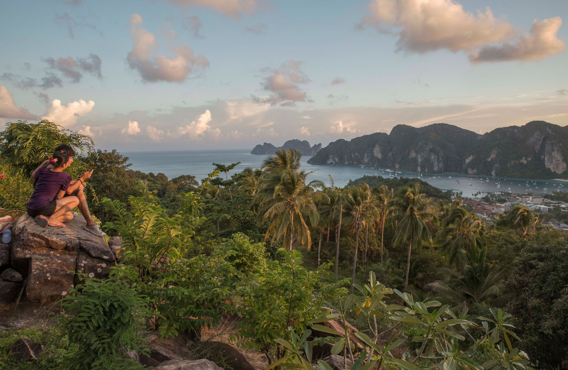 Kho Phi Phi seen from the viewpoint. Photo by Francois