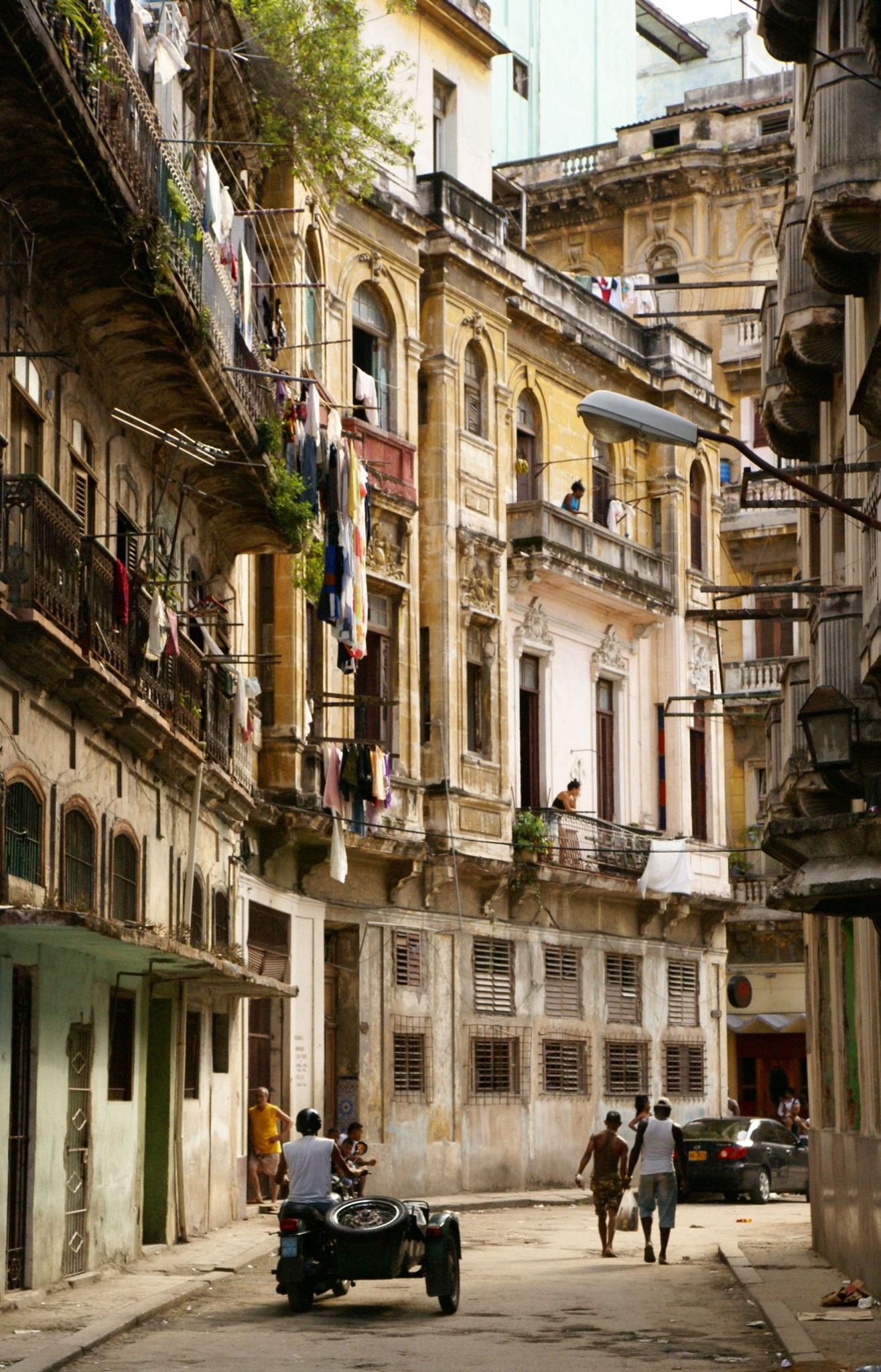 Vedado neighbourhood, Havana. Photo by Ovidiu Balaj